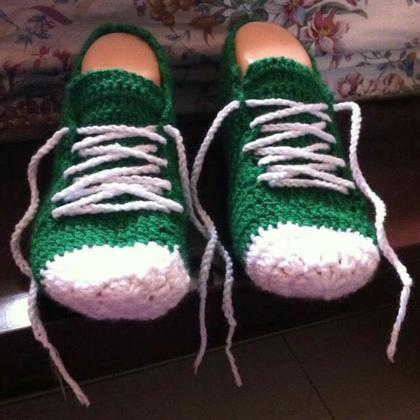 My First Pair of Crochet Sneakers!