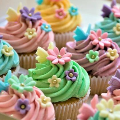 Cupcakes Baking and Decoration