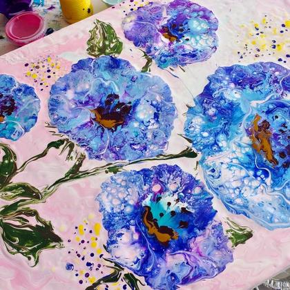 Painting Beautiful Blooms with Acrylic Pour