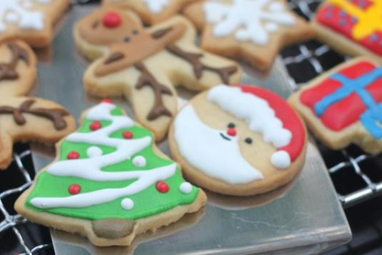 Royal Icing Cookies for Christmas - Dessert Making Classes in ...