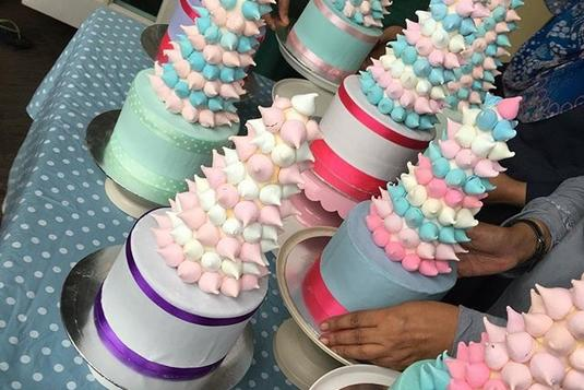 Meringue Tower Of Kisses Cake Decorating Classes In