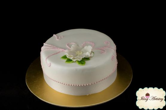 Wilton  Course 3: Gumpaste and Fondant - Cake Decorating ...