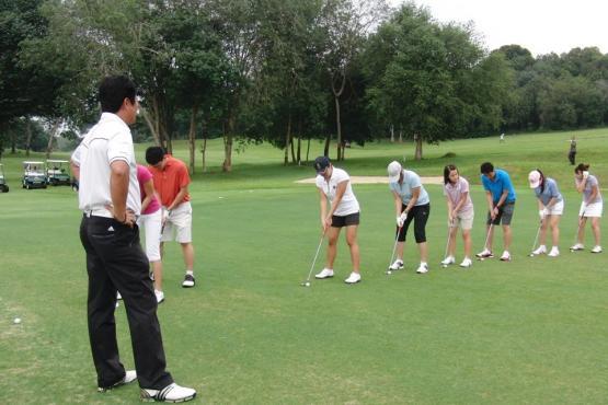how to teach golf to a beginner