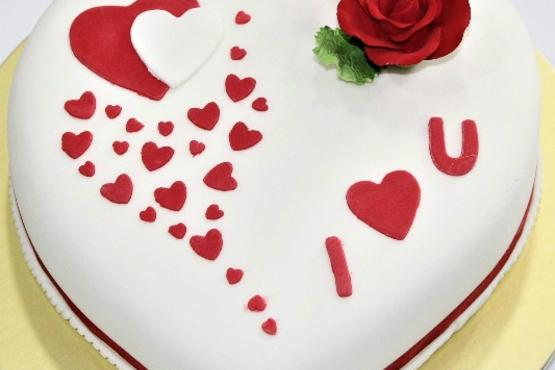 Fondant Heart Cake Couples Workshop Cake Decorating Classes in
