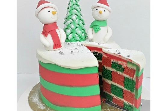 Checkerboard Christmas Cake - Cake Baking Classes in Singapore - LessonsGoWhere